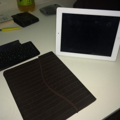 IPad 3 WiFi 16Gb + Tastatura + Husa + Smartcover - Tableta iPad 3 Apple, Alb