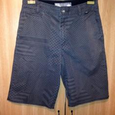 Pantaloni barbati Vans - Bermude barbati Vans, Marime: 30, Culoare: Din imagine, Bumbac