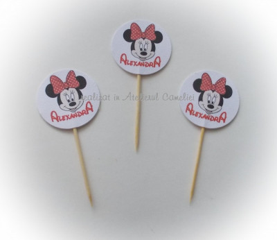 Decoratiuni/ stegulete briose (cupcakes) foto