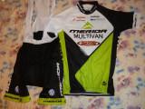 echipament ciclism complet merida verde set pantaloni cu bretele tricou NOU