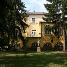 Renegade-Rózsa Panzió Siófok, Ungaria - 2 nopți pentru 2 persoane în timpul săptămânii cu mic dejun - Sejur - Turism Extern