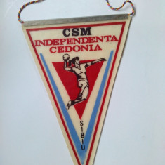 Fanion C.S.M. Independenta Cedonia - Sibiu ( handbal feminin) - Fanion fotbal