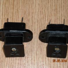 MUFA CONECTOR MAMA-TATA CU 4 pini