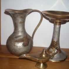 Vand obiecte arta decorativa bronz.:carafa(25 cm), suport lumanari si lampa. - Arta Ceramica