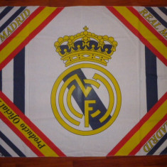 Steag fotbal - 150x102 cm - REAL MADRID (Spania), De club
