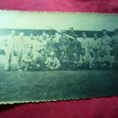 Fotografie -Grup aviatori in fata unui avion -inc.sec.XX, dim.=13, 5x8, 6 cm - Fotografie veche