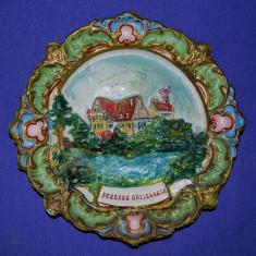 Farfurie decorativa metal neferos, pictata, Austria, Sceless Gallereers, decor