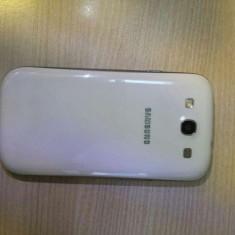 Vand samsung s3 white cu garantie pana in 2015 - Telefon mobil Samsung Galaxy S3, Alb, 16GB, Neblocat, Quad core, 1 GB