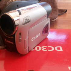 Camera Video Canon DC-301, 2-3 inch, DVD, 30-40x