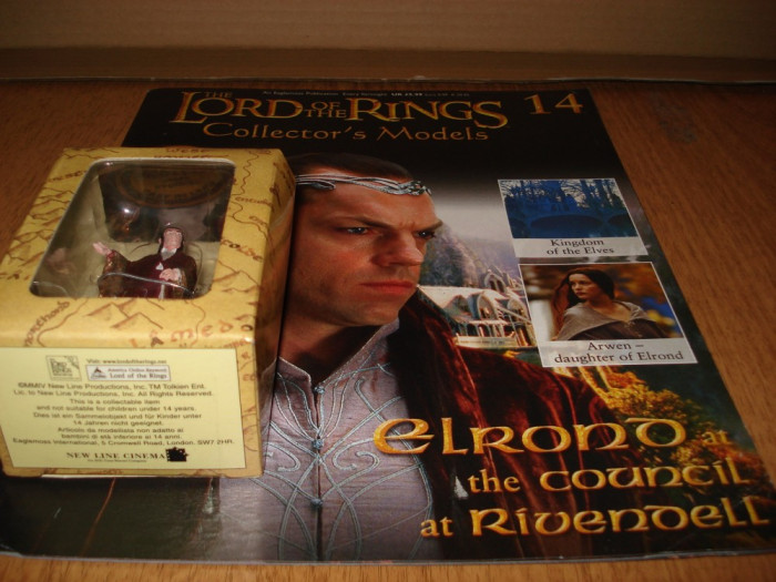 Figurina din plumb  - LOTR - ELROND at the Council at Rivendell + revista  1:29