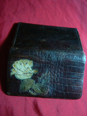 Portofel vechi din piele, de dama, cu trandafir , L=  9 cm foto