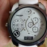 Ceas DIESEL 3BAR - Only The Brave - Dual Time, 2 Fusuri Orare Barbatesc, Quartz , Cadran Masiv , Curea Piele , Culoare ALB