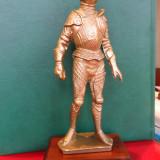 Statueta cavaler in armura, sec.XVI, metalica - Sculptura, Antimoniu, Europa