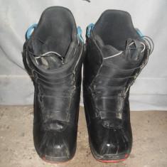 Vand booti boots BURTON marime EUR:40.5 MONDO:25.5 - Boots snowboard