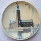 Frumoasa farfurie decorativa din ceramica, pictata manual