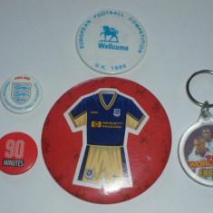 Lot fotbal - 4 insigne + 1 breloc (ANGLIA) - Insigna fotbal