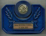 ATAM2001 MEDALIE 470  - PLACHETA -SPORTIVA - BOX - GALA INTERNATIONNAL - 9 JUIN 2001 -INTERESANTA DE EXPUS PE BIROU-starea care se vede