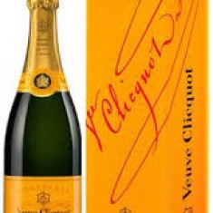 Sampanie Veuve-Clicquot Brut, produs original si exclusivist, de calitate remarcabila!