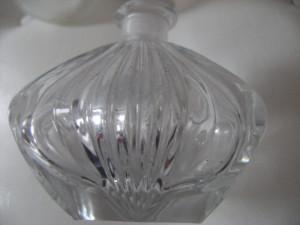 Set de doua toiuri vechi din sticla, de colectie.
