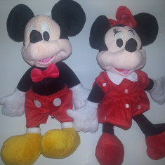 MICKEY MOUSE SI MINIE MOUSE DIN CLUB HOUSE MICKEY DISPONIBILE IN VARIANTA MEDIE 30 CM - Jucarii plus Disney