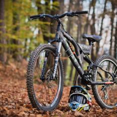 Bicicleta Cross T-Rex Race 2012 (CUSTOM BUILD), 19 inch, 26 inch, Numar viteze: 21, Aluminiu, Negru