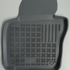 Covoare/covorase/presuri GRI auto interior VW Scirocco III dupa 2008 - Covorase Auto, Volkswagen, SCIROCCO (137) - [2008 - ], Cauciuc