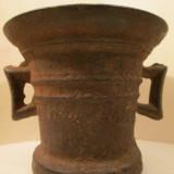 13 - Mojar de fonta vechi , piulita veche de fier , piua