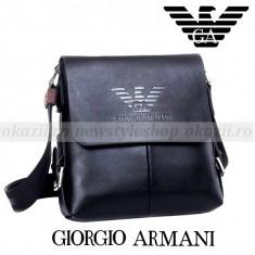 GIORGIO ARMANI - Geanta de umar din piele - model vertical - Geanta Barbati Armani, Marime: Medie, Culoare: Negru