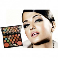 Trusa profesionala Beauty she 22 - Trusa make up Alta Marca