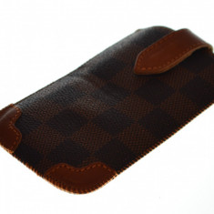 Husa saculet iPhone 4, calitate superioara  + folie protectie si cablu date cadou