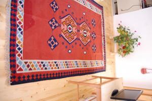 Covor persan din lana, tesut manual,nou, cu certificat de autenticitate
