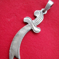 Medalion argint Sabie Iatagan executat si gravat manual vintage Vechi de Efect - Pandantiv argint