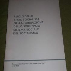 Carte propaganda comunista in limba italiana Ruolo Dello Stato Socialista Nella Formazione Dello Sviluppato Sistema Sociale Del Socialismo 1968