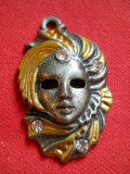 Splendid si Vechi Medalion Vintage Masca Venetiana Elegant si Impunator