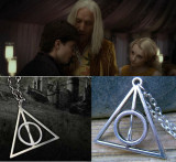 Pandantiv / Colier / Lantic   HARRY POTTER - Deathly Hallows Triangle