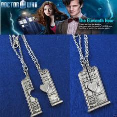 Pandantiv / Colier / Lantic TARDIS DOCTOR WHO 3D - Cabina Compusa 2 Bucati - - Lantisor fashion