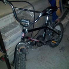 Bicicleta BMX Nespecificat baiat 6-8 ani, 13 inch, 20 inch, Numar viteze: 1, Otel, Negru-Rosu