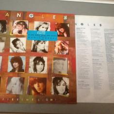 BANGLES - DIFFERENT LIGHT (1985 / CBS REC /RFG ) - DISC VINIL/PICK-UP/VINYL - Muzica Rock Columbia