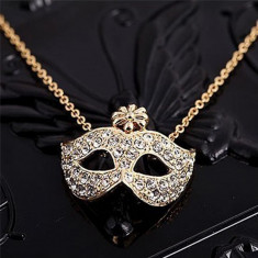 Pandantiv / Colier / Lantisor - Party Fox Mask Cu Cristale - Culori Disponibile : Auriu si Argintiu - Lantisor fashion