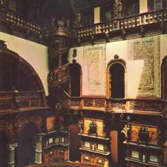 Carte postala PH054 Sinaia - Muzeul Peles - Holul de onoare cu scara in spirala - necirculata