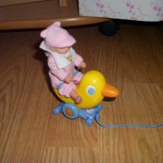 Accesori pt papusa bebe mini born carucior si carusel - Carucior papusi