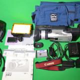 CANON XM2, stare perfecta + accesorii + lampa + geanta - Camera Video Canon, Intre 2 si 3 inch, Mini DV, CCD, 10-20x