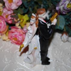 Marturii nunta - Figurina tort nunta