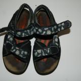 Sandale de joaca pentru baieti, marimea 29, foarte practice
