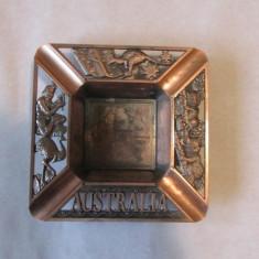 SCRUMIERA-vintage, pentru colectionari, arama-AUSTRALIA