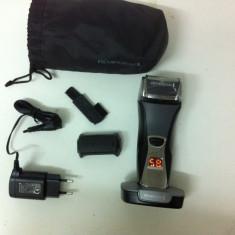 Aparat de ras cu site Remington Titanium-X F7800