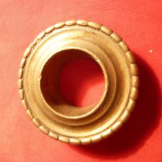 Rozeta sfesnic vechi, bronz, Diametrul interior = 2, 3 cm - Metal/Fonta