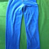 Pantaloni de trening, material bbc catifelat pt fete de 9-10 ani, de la YoungDimention. Stare excelenta., Culoare: Albastru