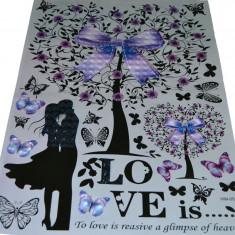 Sticker decorativ perete flori LOVE