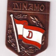 Anul 1951 DINAMO BUCURESTI -MEDALIE-insigna emailata Bronz Email - Medalii Romania